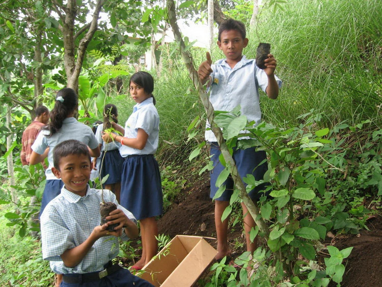 EBPP school children planting soap not trees in their school garden