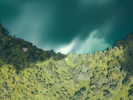 032_CamConscious_Yak Laom Lake Drone
