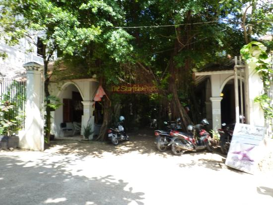 CAMBODIA-THE STARFISH BAKERY CAFÉ