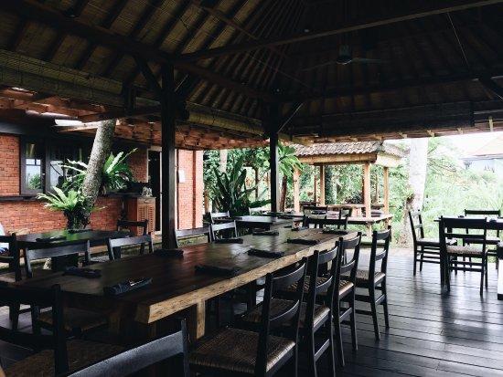 INDONESIA-moksa-plant-based-cuisine